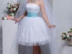 свадебное платье на невысоких худеньких