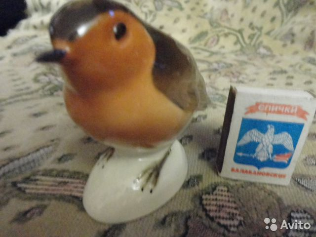 89061656450 Фарфоровая статуэтка Птичка