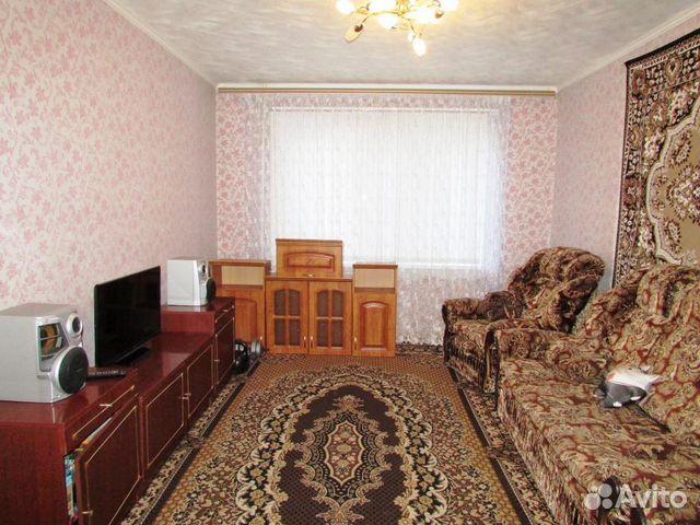 Продается трехкомнатная квартира за 1 850 000 рублей. Балаково, Саратовская область, Степная улица, 18.